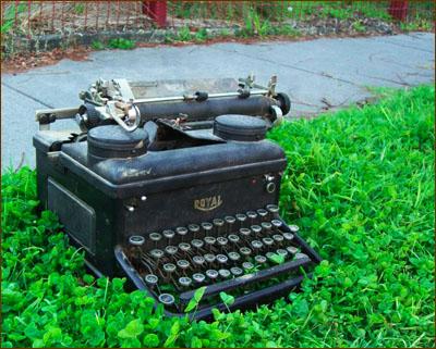 Typewriter, by avlxyz on Flickr